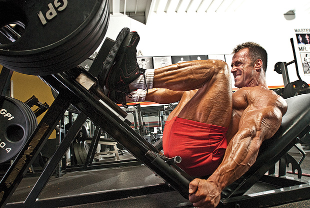 5 BEST Leg Workouts For Thicker Quads and Hams